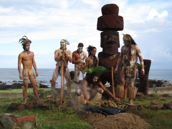 индейцы и моаи
