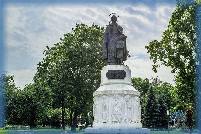 Памятник княгине Ольге работы Клыкова