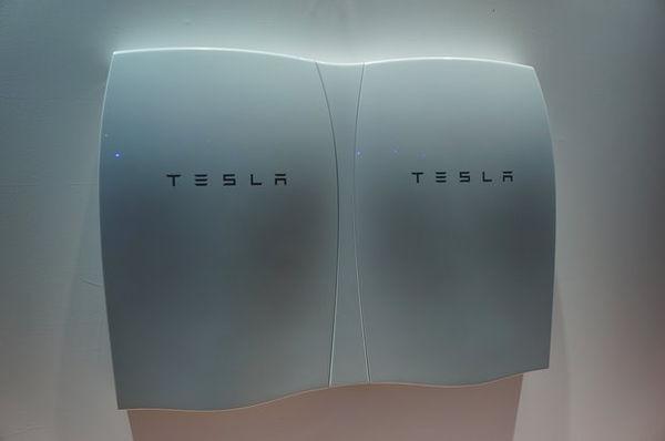 Автономный аккумулятор Powerwall