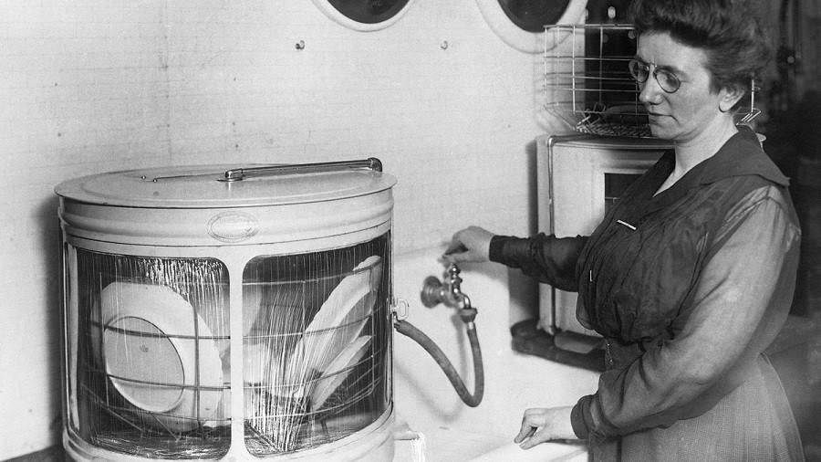 Посудомоечная машина на ручном приводе